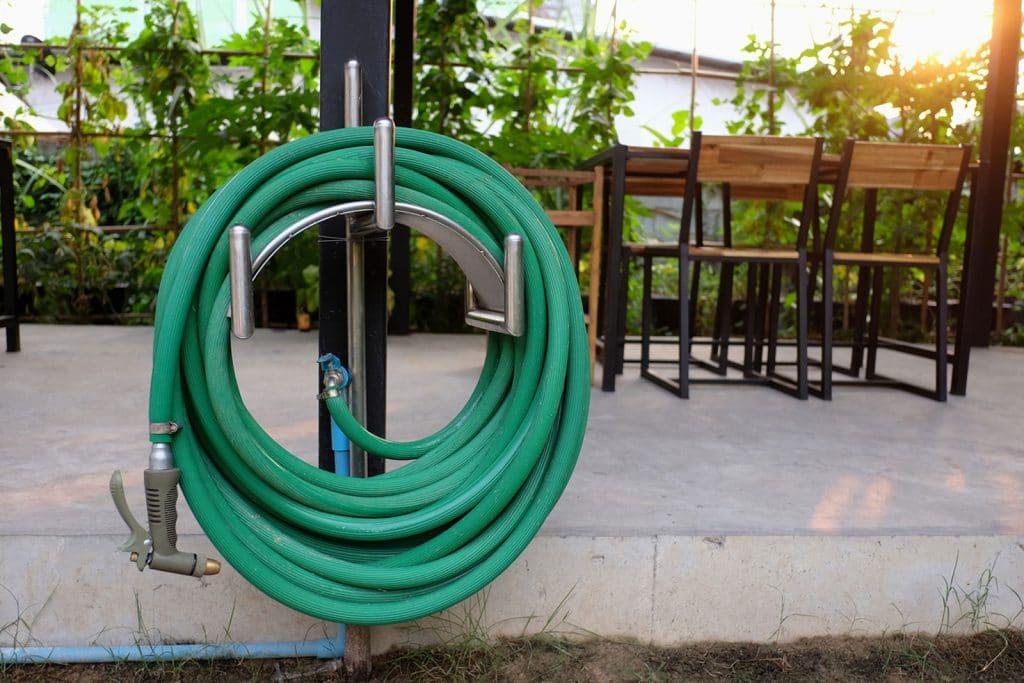 نگهداری و تعمیرات شیلنگ آب